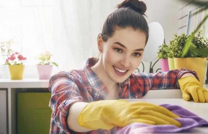نظفي منزلك وأنت نائمة بهذه الحيل الذكية والسريعة