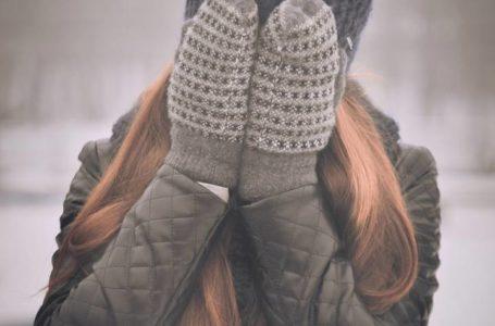 كيف نحافظ على دفء اليدين والقدمين في هذا الطقس؟
