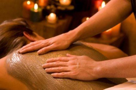 ما هي صنفرة الجسم بالحناء وكيف يتم تطبيقها؟