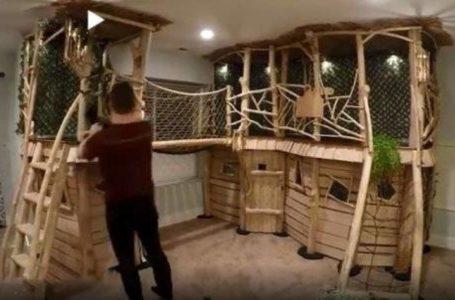 أب يبني منزلاً على الشجرة لأطفاله داخل المنزل… استغرقه الأمر ثمانية أشهر