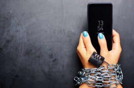 هذه المؤشرات تعني أنك مدمن على استخدام الهاتف الخليوي!