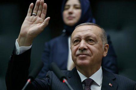 تركيا أردوغان يزور قطر في أول رحلة لبلد عربي منذ العملية التركية ضد الأكراد